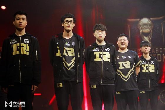 外国网友热议RNG夺冠:Uzi统治了季中赛,他是世界最强