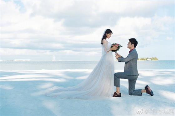 若风晒婚纱照公布婚讯:10月5号!我就要娶老婆啦!