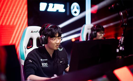 韩网热议RNG淘汰EDG:Viper去LPL也逃脱不了无冠