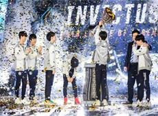 排面!iG夺冠登录央视成跨年节目《年轮2018》压轴